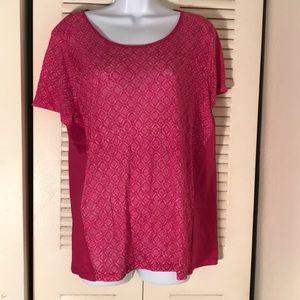 Short sleeves pink/red shirt.